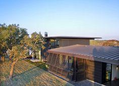 A Modern Family Ranch in Texas - Design Milk Lake Flato, Barcelona, Texas Ranch, Windows, Modern Family, Interior Architecture, Interior Design, House Plans, Exterior