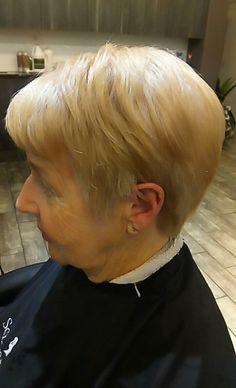 Pixie Haircut Pixie Haircut, Salons, How To Find Out, Hair Cuts, Hair Styles, Pixie Buzz Cut, Haircuts, Hair Plait Styles, Lounges