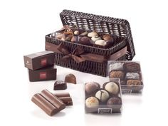 When you want to offer the best in hand-crafted, artisanal excellence, look no further than our remarkable collection of fine Corné Port-Royal chocolates. Open the traditional wicker basket and discover an unforgettable assortment of chocolate-filled manons, truffles, and pralines and other chocolate. For special occasions, client gratitude and any time a sweet touch is needed.