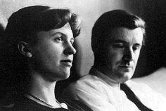 Sylvia Plath samen met Ted Hughes