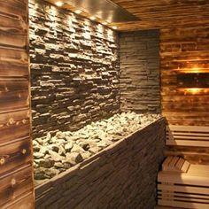 Gewerbliche Design-Sauna mit Natursteinwand hinter dem Saunaofen.: Sauna von corso sauna manufaktur gmbh Saunas, Sauna Steam Room, Sauna Room, Modern Exterior, Exterior Design, Jacuzzi, Piscina Spa, Indoor Sauna, Hotel Floor Plan