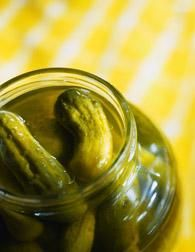 Learn how to make dill pickles with vegetables other than cucumbers from The Forgotten Arts from Yankee Books Making Dill Pickles, How To Make Pickles, Homemade Pickles, Old Recipes, Canning Recipes, Canning 101, Family Recipes, Quick Pickle Recipe