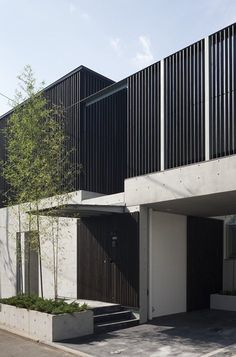 This is the complex building with clinic on the first floor and the doctor's dwelling place on the second floor. With the tree planting that bring better feeling to patients in the inner courtyard, they can be viewed from the lobby and entrance of...