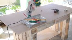 Pallet workbench #PalletConstruction, #PalletIdea, #PalletWorkbench