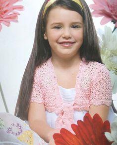 розовое болеро для девочки вязаное крючком (4-6 лет)