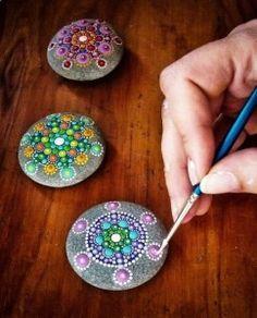 Consejos prácticos para pintar piedras                                                                                                                                                                                 Más