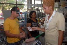 La periodista Yailín Orta publicó en su cuenta de Facebook una breve nota anunciando medidas dirigidas a incrementar la capacidad de compra del peso cubano: Se reduce en un 20 por ciento el precio …
