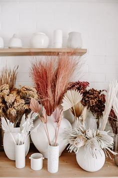 Our dried flower bar is overflowing with the most gorgeous selection to date. From pretty pink love grass through to dried spear palms in the dreamiest of colours. Get in store or online to check them out x Dried Flower Bouquet, Dried Flowers, Homemade Wedding Cards, Hippie Stil, Flower Bar, Deco Addict, Dried Flower Arrangements, Shower Banners, Arte Floral