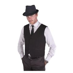 Ce gilet noir à rayures blanche est disponible en taille S/M ou L/XL. Il dispose 3 boutons et est doublé à l'intérieur. Il sera parfait pour un costume sur les années 30 dans le style gangster! Il suffit d'ajouter un chapeau et le tour est joué!