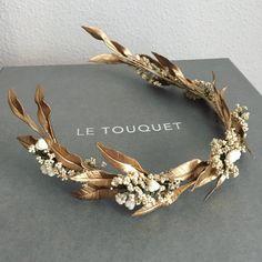 bridal jewelry for the radiant bride Bridal Headdress, Headpiece Wedding, Bridal Headpieces, Bridal Hair Buns, Bridal Hair Flowers, Head Accessories, Wedding Hair Accessories, Hair Jewelry, Bridal Jewelry