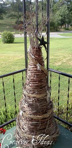 Creative Ideas: Primitive Decor- make from old tomato cages? Primitive Crafts, Primitive Christmas, Country Christmas, Christmas Crafts, Christmas Decorations, Holiday Decor, Primitive Country, Homemade Decorations, Xmas
