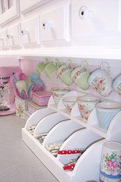 Chic little cutlery and beaker holder. Kitchen Interior, Kitchen Decor, Kitchen Design, Kitchen Ideas, Shabby Chic Kitchen, Shabby Chic Style, Kitchen Set Up, Pastel Kitchen, Interior Decorating