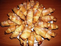 Ha igazán puha kifliket akarsz készíteni, próbáld ki ezt a remek receptet! Kelesztés nélkül készül, de bámulatos! Hozzávalók: 50 dkg liszt 2 evőkanál cukor 3,5… Romanian Food, Romanian Recipes, Sweet And Salty, Pretzel Bites, French Toast, Muffin, Potatoes, Paleo, Bread
