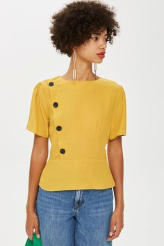Button Short Sleeve Blouse - New In Fashion - New In - Topshop Europe Vintage Homecoming Dresses, Viscose Dress, Style Casual, Short Sleeve Blouse, Shirt Blouses, Blouse Designs, Spring Outfits, Blouses For Women, Fashion Dresses