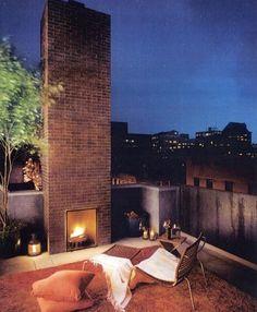 Rooftop patio w/ fireplace. Outdoor Rooms, Outdoor Living, Ideas Terraza, Living Haus, City Living, Living Rooms, Rooftop Terrace, Rooftop Design, Rooftop Gardens