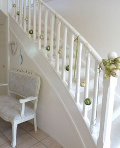 A Whole Bunch Of Christmas Staircase Decorating Ideas — Style Estate