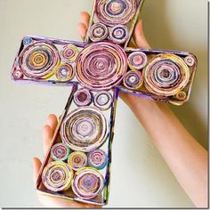 Manualidades Cruz grande hecha con papel | Blog de imágenes