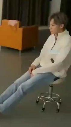 Lee Jong Suk Lockscreen, Meteor Garden, Cute Actors, Cute Celebrities, Tom Holland, Diy For Kids, Singers, Shots, Handsome