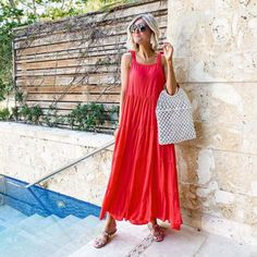 Find everything you need for the perfect summer pool party! #mudpiegift #summer #poolparty Coral Maxi Dresses, Red Maxi, Day Dresses, Summer Dresses, Summer Fashion Trends, Summer Fashion Outfits, Summer Outfit, Colorblock Dress, Leggings Fashion