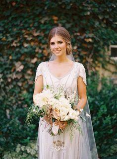 Vintage chic bride: http://www.stylemepretty.com/2014/01/30/salt-lake-city-greenhouse-wedding/ | Photography: Ciara Richardson - http://ciara-richardson.com/