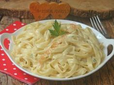 Fettucine Alfredo, Macaroni And Cheese, Spaghetti, Menu, Noodle, Pesto, Ethnic Recipes, Menu Board Design, Mac And Cheese