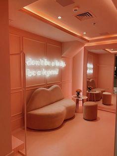 Beauty Room Decor, Beauty Salon Decor, Beauty Salon Design, Salon Interior Design, Makeup Studio Decor, Nail Salon Decor, Schönheitssalon Design, Store Design, Design Moda