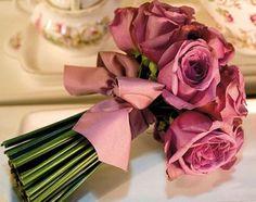Bouquet roses - wrap for bridesmaids bouqets. Rose Wedding, Wedding Flowers, Dream Wedding, Bouquet Wedding, Bride Bouquets, Floral Bouquets, Rose Bouquet, Boquet, Pink Roses