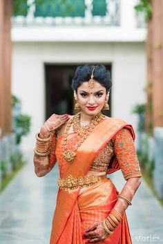 The Classic Red Saree. Love her Saree, American diamond Jewellery set and the makeup. On point! South Indian Bridal Jewellery, South Indian Weddings, South Indian Bride, Indian Jewelry, Bridal Jewelry, Tamil Wedding, Saree Wedding, Wedding Bride, Indian Wedding Sarees