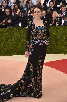 Modest red carpet. Bee Shaffer | Tous les looks incroyables des célébrités au Met Gala 2016