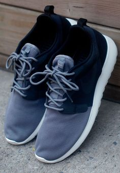 Nike Roshe Run: Grey/Black