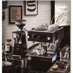 Espresso Coffee Machine, Cappuccino Machine, Coffee Maker, Mini Cafe, Italian Coffee, Best Coffee, Barista, Coffee Beans, Coffee Machines