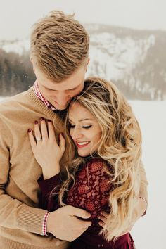 Rocky Mountain Nat'l Park Engagement Session - Rocky Mountain National Park Engagement Session // Emily & Dylan via Rocky Mountain Bride Rocky Mou - Engagement Session, Engagement Photo Outfits, Engagement Photo Inspiration, Engagement Couple, Engagements, Winter Engagement Pictures, Mountain Engagement Photos, Winter Couple Pictures, Couple Photography Poses