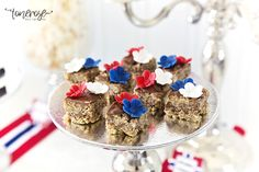 { 17. Mai dessertbord // Inspirasjon // God morgen Norge } – ToneroseDesign Norway, Cupcake, Brunch, Breakfast, Food, Morning Coffee, Cupcakes, Essen, Cupcake Cakes