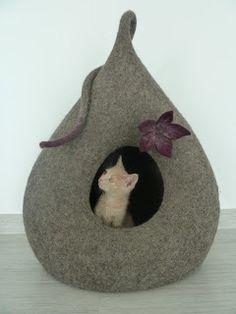 Katze und Filzkunst - Monika Pioch Design Katzenhöhlen
