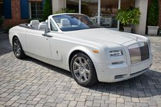 2014 Rolls-Royce Phantom Drophead Coupe Convertible Automatic 6.75L DOHC V12 48v DI Engine Carrara White - O'Gara Coach