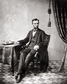 A Stunning Photograph of Abraham Lincoln, 1863 Photo/Alexander Gardner/ www.history.com