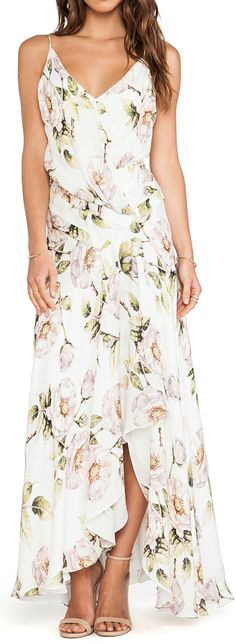Pretty white floral maxi dress!  Perfect for summer! Women's spring summer party wedding guest fashion