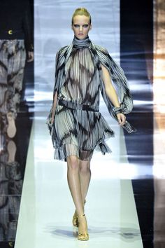 Gucci Spring Runway - Gucci Ready-To-Wear Collection - ELLE