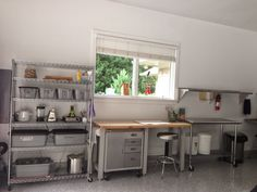 IMG_0219.JPG 1,600×1,200 pixels Cathie's outdoor dye studio (garage)