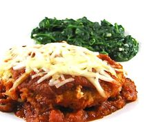 Dinner this weekend, Skinny Chicken Parmigiana...So simple to make and really de-licious!!! Each serving has 280 calories, 7.8 grams of fat and 7 Weight Watchers POINTS PLUS. Enjoy! http://www.skinnykitchen.com/recipes/skinny-chicken-parmigiana/