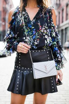 Sharing how I styled a studded leather mini skirt and why I think it's the perfect piece for a transitional fall look. Who doesn't love a mini? Dressy Outfits, Winter Outfits, Ysl Wallet On Chain, Grey Fashion, Womens Fashion, Fall Must Haves, Leather Mini Skirts, Autumn Winter Fashion, Winter Style