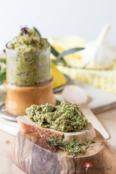 With green zucchini olive cream and lots of basil the summer . - Love summer on the tongue with green zucchini olive cream and lots of basil – madam beet Zucchini Pesto, Green Zucchini, Avocado Dessert, Chutneys, Antipasto, Grilled Quesadilla Recipes, Avocado Toast, Mexican Food Recipes, Vegan Recipes