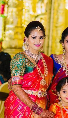 The 'dulhan' or the Indian bride is a sight to behold and the gorgeous Indian wedding hairstyles go a long way in determining this. Indian women are considered Indian Wedding Hairstyles, Indian Wedding Outfits, Festivals, Indian Braids, Lehenga Wedding, South Indian Bride, Kerala Bride, Hindu Bride, Trends
