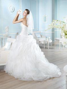 Vestido de novia, modelo Hannaly de St. Patrick 2014  www.sanpatrickgranada.es