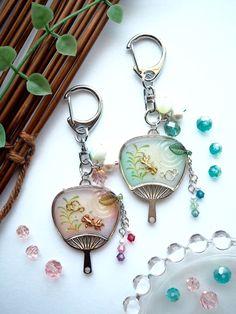 レジンBOT@アイコン画像変更(@resin_bot)さん   Twitter Resin Jewelry, Jewelry Crafts, Handmade Jewelry, Ice Resin, Resin Art, Kawaii Jewelry, Cute Jewelry, Diy Resin Crafts, Diy And Crafts