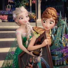 """Elsa looks dreamy and Anna is giving this """"happy-wtf"""" look. Frozen Disney, Frozen And Tangled, Frozen Elsa And Anna, Elsa Anna, Frozen Queen, Frozen Princess, Disney Nerd, Disney Fun, Disney Prices"""