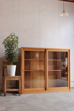 古道具・古家具のそうすけ » ガラス引戸棚 - 古道具・古家具のそうすけ
