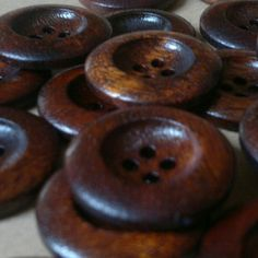 ღ❤~ brown buttons Chocolate Color, Chocolate Brown, Chocolate Buttons, Moka, My Favorite Color, My Favorite Things, Brown Eyed Girls, Vintage Buttons, Vintage Items