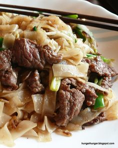 Dry-Fried Rice Noodles with Beef