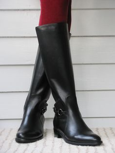 Finally found petite-friendly boots that fit short legs and narrow ...